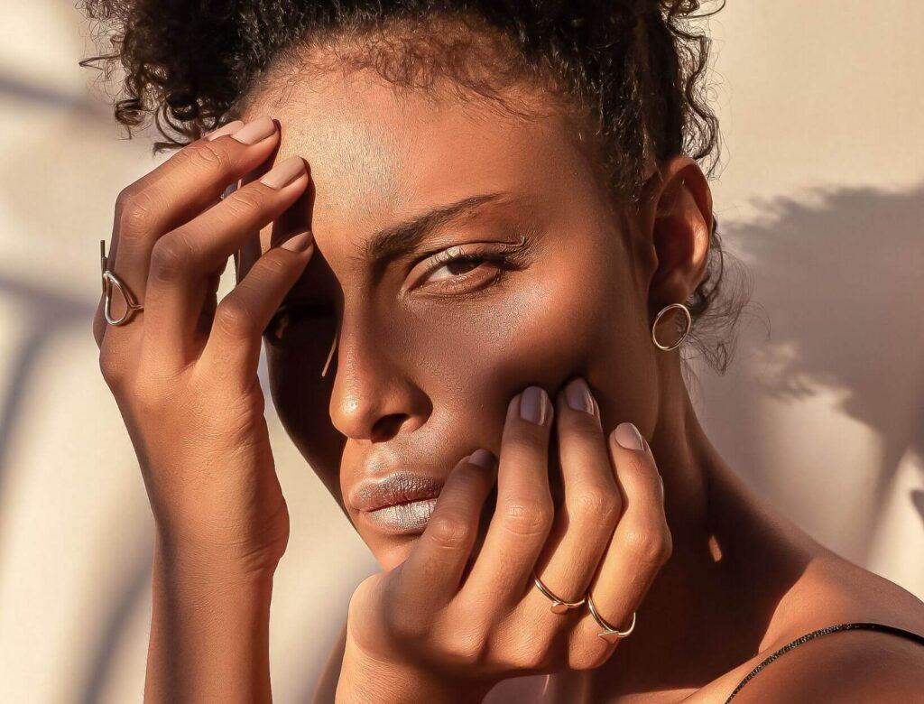 Rozjaśniające serum z witaminą C, które nada Ci blasku – natychmiast SoBio Beauty Boutique